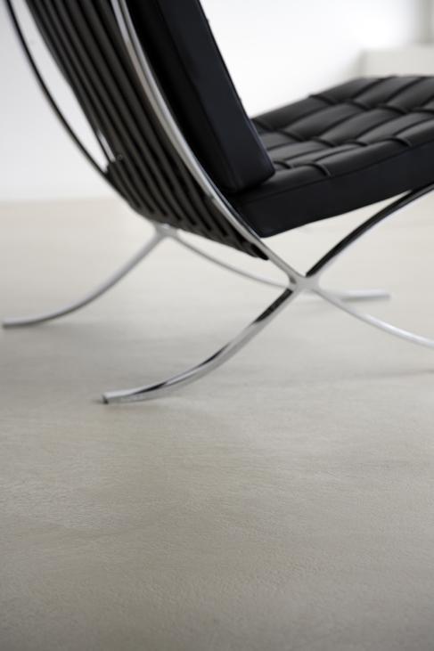 Designermöbel auf fugenlosen Böden