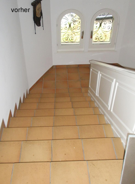 Treppen mit Plattenboden im Stil vergangener Zeiten