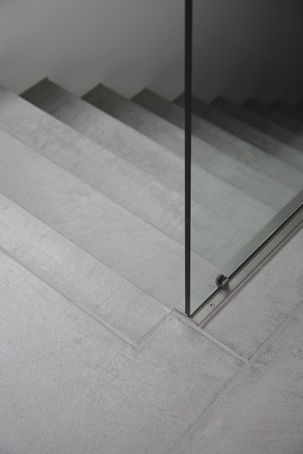 Alternative zu Platten mit fugenloser Bodenbeschichtung